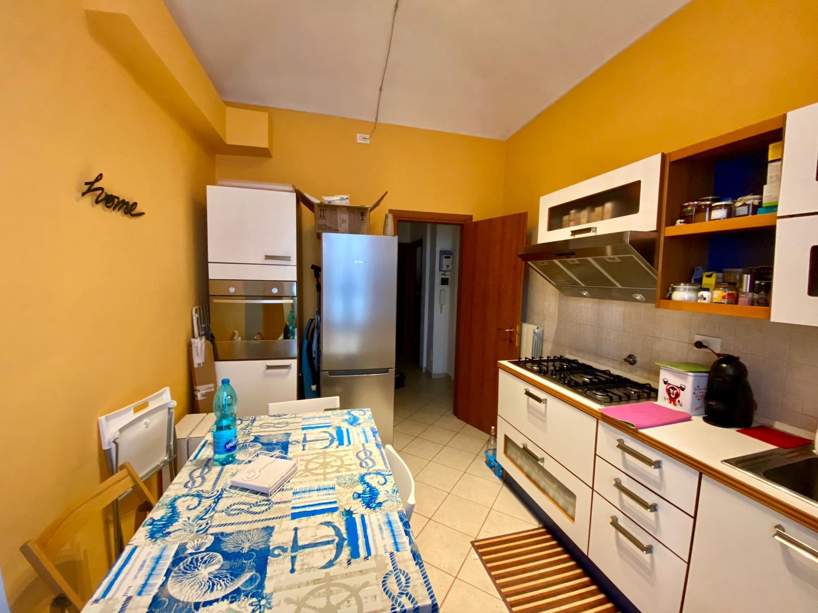 Trilocale arredato in affitto in zona Cit Turin.