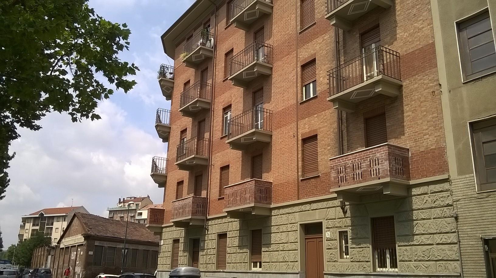 Torino, Corso Lione 76-78.