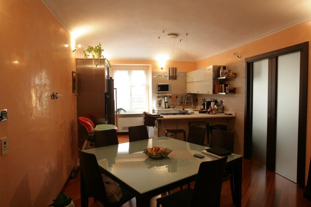 Appartamento di ampia metratura finemente ristrutturato in vendita in Centro a Torino.